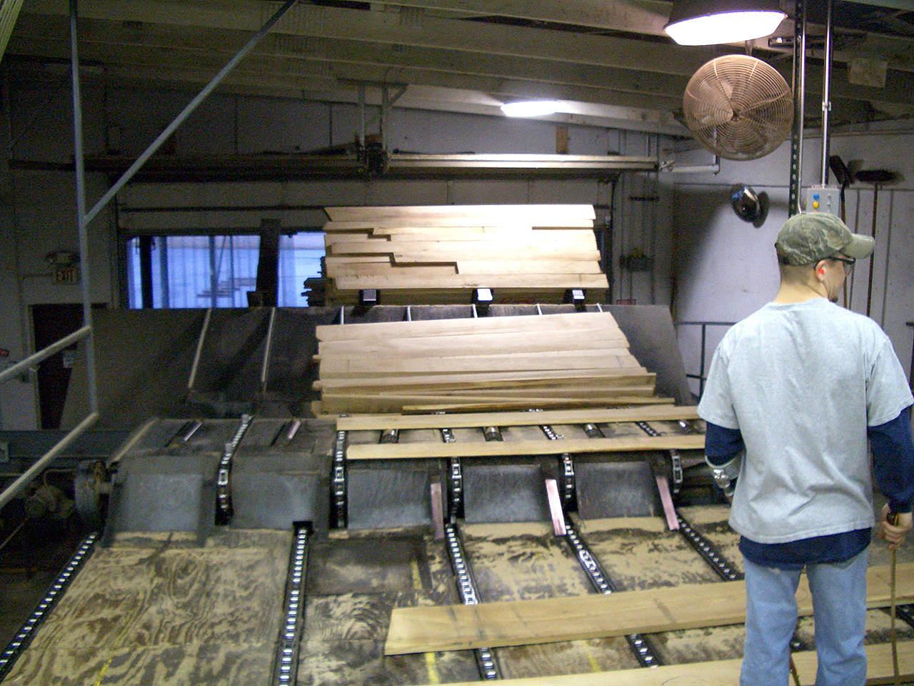 アメリカ広葉樹製材工場
